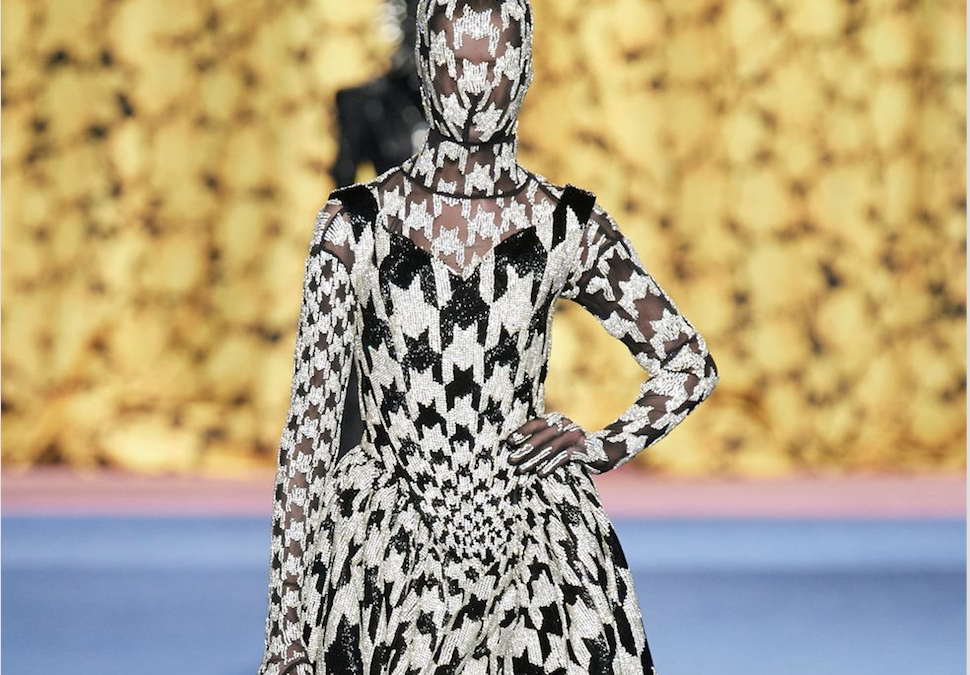 The Biggest Re-emerging Trend This Fall: Houndstooth